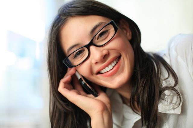 Menelpon setelah ujian (www.hercampus.com)