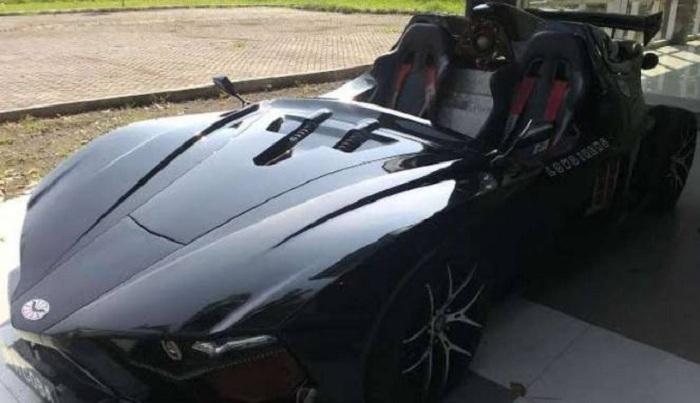 Kerennya Mobil 'Batman' Kreasi Mahasiswa Surabaya
