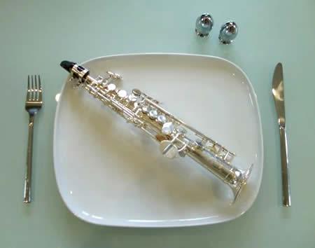 Saksofon terkecil di dunia (Oddee)