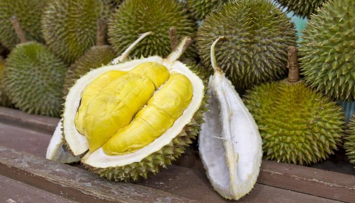 Video Reaksi Orang Korea Makan Durian, Kocak!