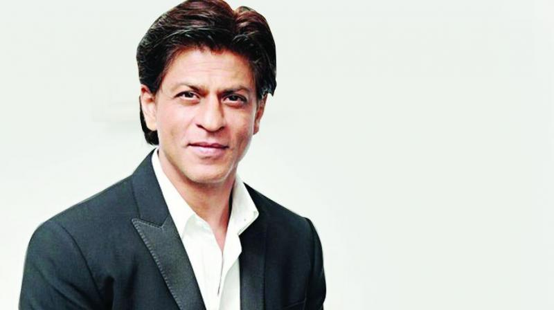 Bikin Heboh, Wajah Driver Gojek Ini Mirip Shah Rukh Khan