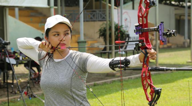 Dellie Threesyadinda, Atlet Panahan Cantik Kebanggaan Indonesia Putri Pemanah Senior Lilie Handayani