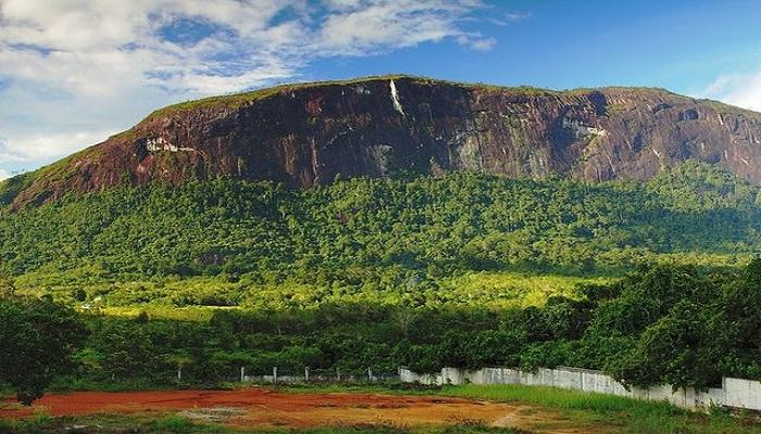 Batu Terbesar di Dunia Ada di Indonesia