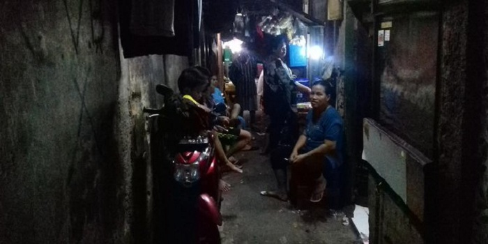 Mengintip Gang di Jakarta yang Tak Disinari Matahari Hampir 24 Jam