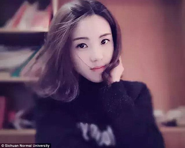 Liu Hongdou, dosen menyanyi Sichuan Normal University (Daily Mail)