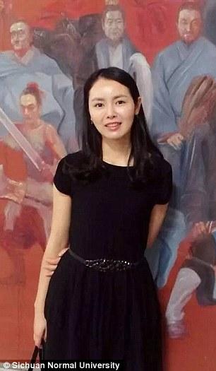Chen Shan, dosen seni Sichuan Normal University (Daily Mail)