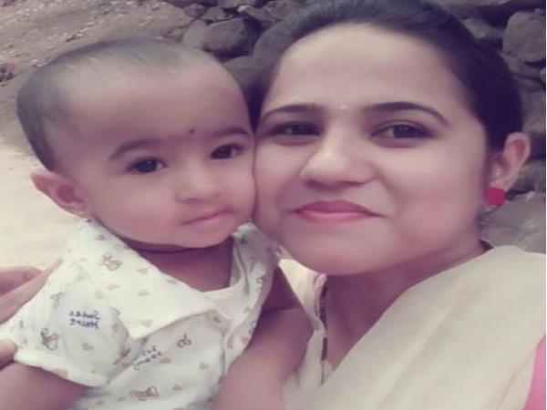 Advika dan ibunya (Oneindia)