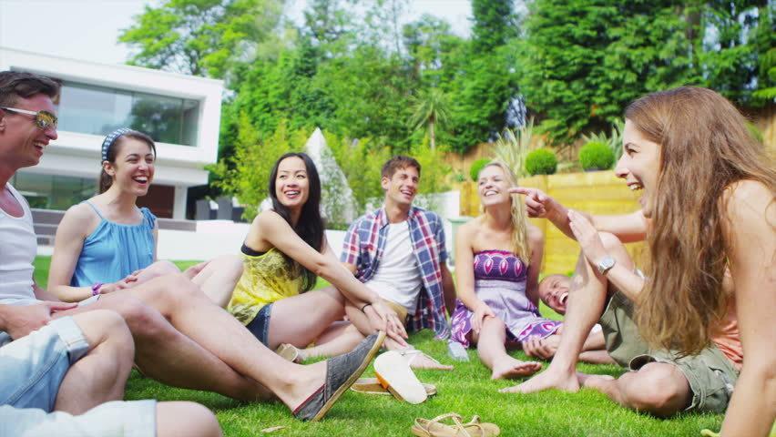 Hindari 5 Gestur Tubuh yang Bikin Kamu Gampang Disepelekan Teman