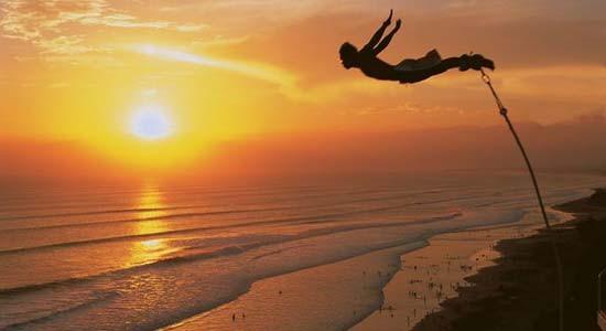 Bungee Jumping A.J. Hackett (filosotrip.com)