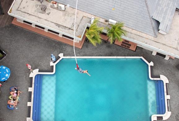 Bungee Jumping Bali Tower (www.virustraveling.com)