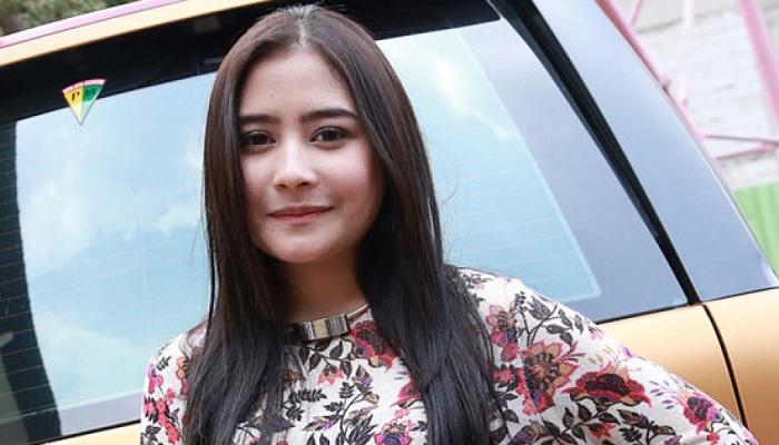 Siapkan Mini Concert, Prilly Latuconsina Merdu Nyanyikan Lagu Milik Syahrini