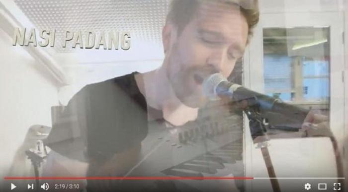 Unik, Pria Norwegia Ini Ciptakan Lagu tentang Nasi Padang