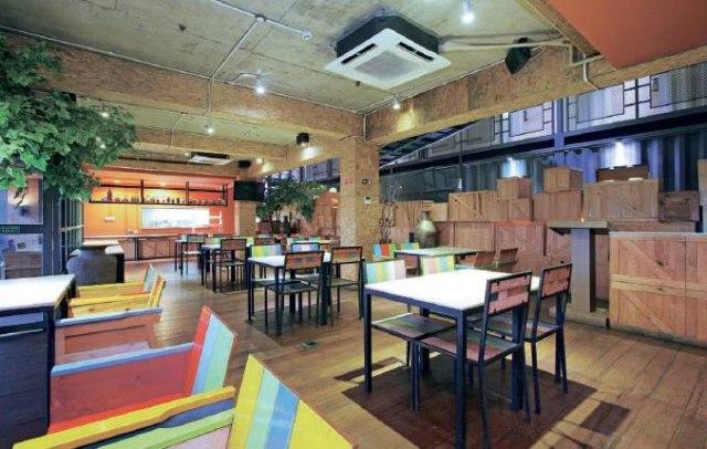 Cafe di Chara Hotel Bandung (charahotelbandung.com)