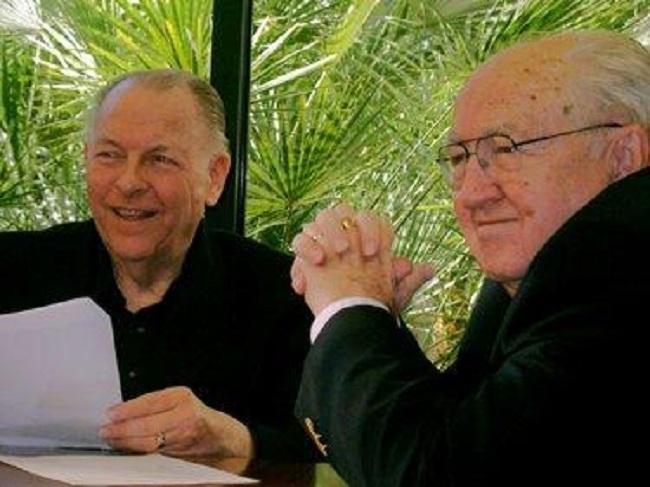 Dr. John Whitcomb dan Dr. Henry Morris (Answeringenesis)
