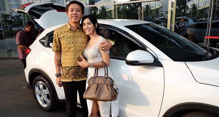 Baru Seminggu Kenal di Medsos, Presenter Cantik Indonesia Ini Nikah