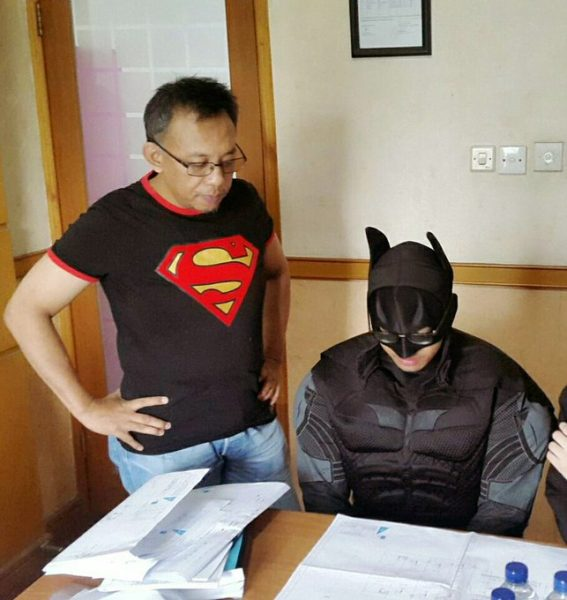 Batman ikut sidang (ITS)