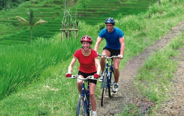 Bersepeda di Gunung Kintamani-Ubud (balitopholiday.com)