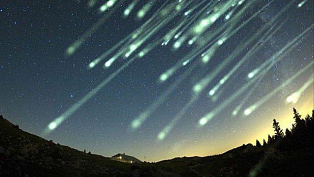 Ilustrasi Hujan Meteor Taurid (In5d)