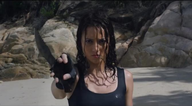Julie Estelle dalam film Headshot (Liputan6)