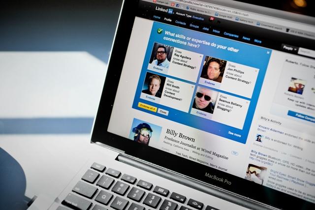 Ingin Profil LinkedIn Kamu Dilirik Sama Perusahaan Besar? Ini Tipsnya!