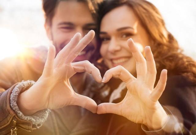 5 Alasan Kenapa Kamu Harus Setia Sama Pacarmu