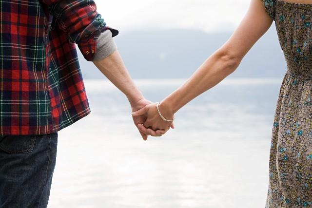 Pasangan yang Berkomitmen (i.huffpost.com)