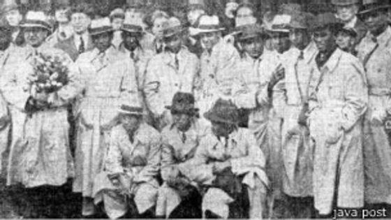Pemain Hindia Belanda saat tiba di Stasiun Den Haag, Belanda (BBC)
