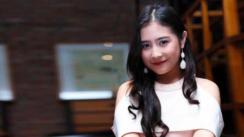 Makin Bersinar! Prilly Latuconsina Didapuk Jadi Model Video Klip