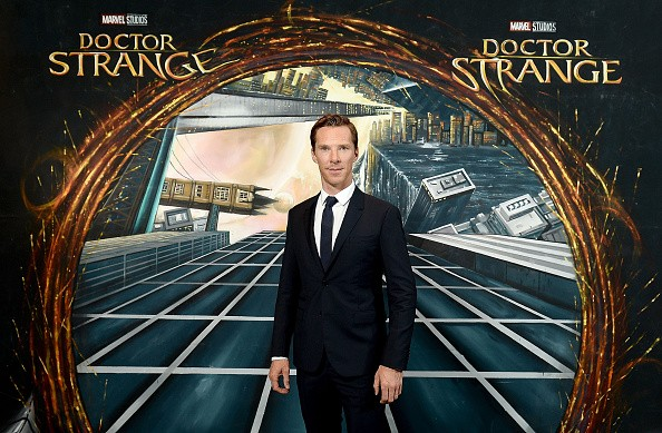 Benedict Cumbercatch sebagai Doctor Strange (Enstarz)
