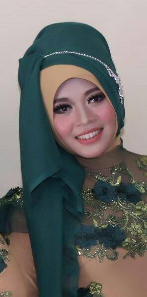 Neni Shahrina (Vokal) (Facebook)