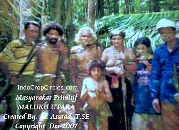 Beberapa penjelajah Maluku bertemu dengan Suku Lingon yang tidak memakai baju (Indocropcircles)