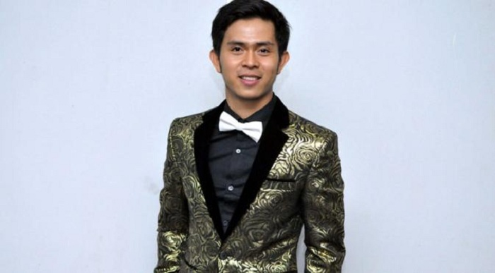 Bangga, Cakra Khan Raih Triple Platinum di Malaysia