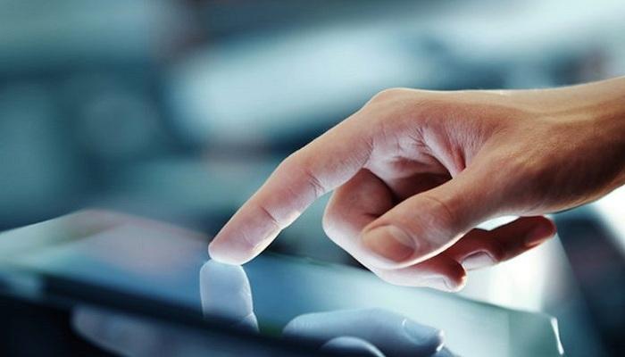 Teknologi Baru, Isi Ulang Baterai Smartphone Cukup Pakai Jari
