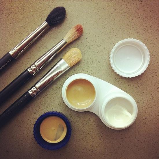 Cream dalam Tempat Soflens (allw.mn)