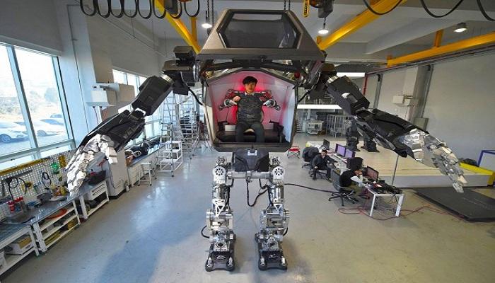 Keren, Korea Ciptakan Robot Raksasa yang Bisa Dikendarai Manusia