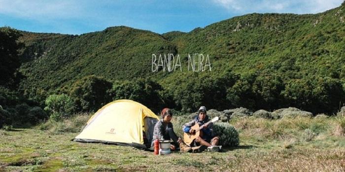 5 Lagu Terbaik dari Duo Banda Neira