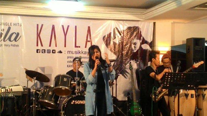 Kenalan dengan Kayla, Penyanyi Berusia 14 Tahun dengan Suara Merdu