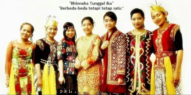 Hasil gambar untuk berbagai suku di indonesia