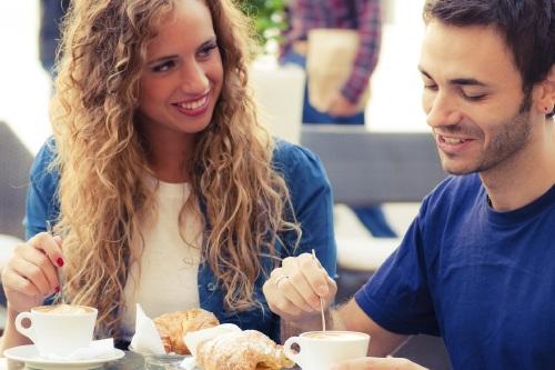 Trik PDKT, Flirting dengan Cara Alami (relationships.femalefirst.co.uk)