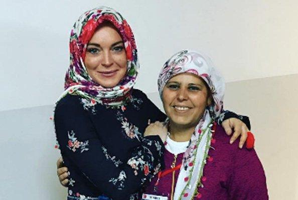 Sederet Bukti Lindsay Lohan Sudah Jadi Mualaf