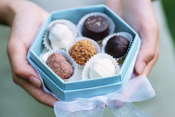 Ingin Bikin Cokelat Valentine Sendiri? 5 Kreasi Cokelat Ini Bisa Kamu Coba