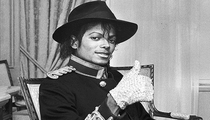 Kreatif, Cover Lagu Michael Jackson Pakai Botol
