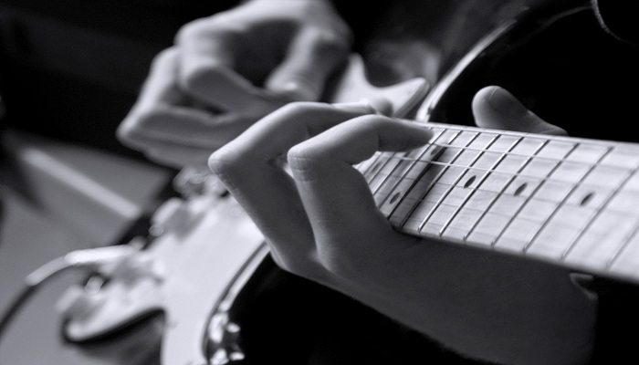 Keren, Musisi Jalanan Tuna Netra Bawakan Lagu Muse