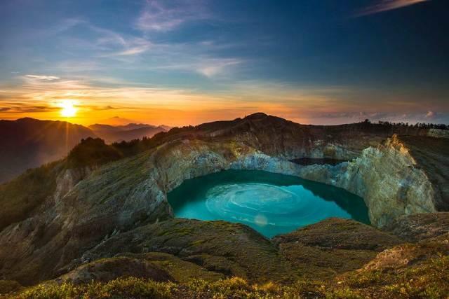 5 Danau di Bumi Pertiwi yang Indahnya Sanggup Memikat Hatimu