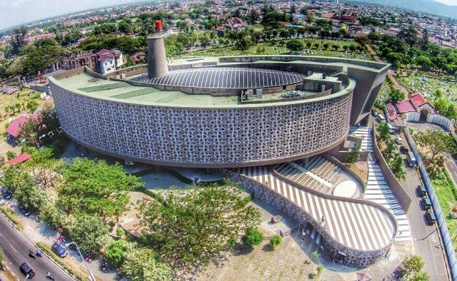 5 Karya Desain Arsitektur Ridwan Kamil yang Bikin Kagum