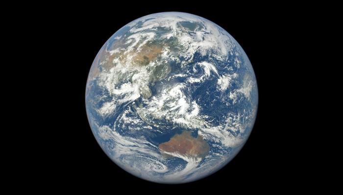 Kenapa Kita Tak Bisa Merasakan Rotasi Bumi?