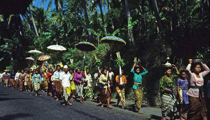 Potret Bali Pada Tahun 70-an dari Sudut Pandang Fotografer Asal Australia