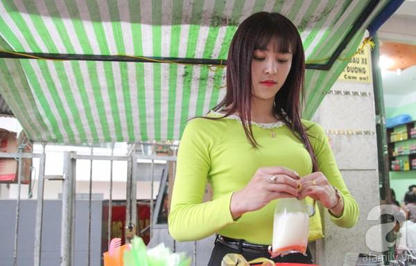 FOTO: Pedagang Jajanan Pasar Cantik Asal Vietnam Ini Jadi Berita Banget