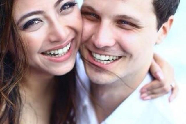 Sederet Seleb Tanah Air yang Sukses Bikin Pasangan Bulenya Jadi Mualaf, Romantis!