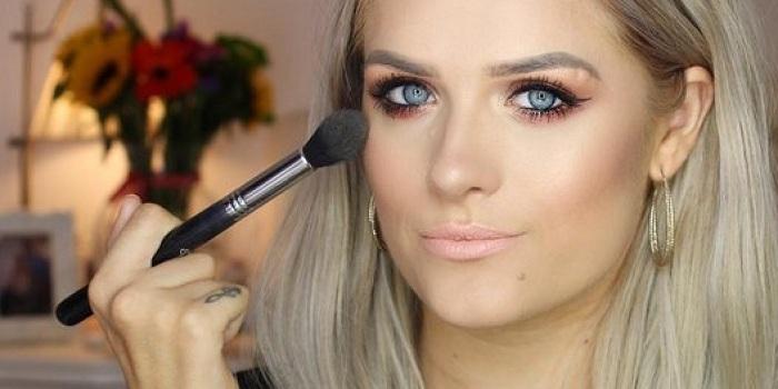 Lumpuh, Cewek Ini Sukses Jadi Beauty Blogger di YouTube